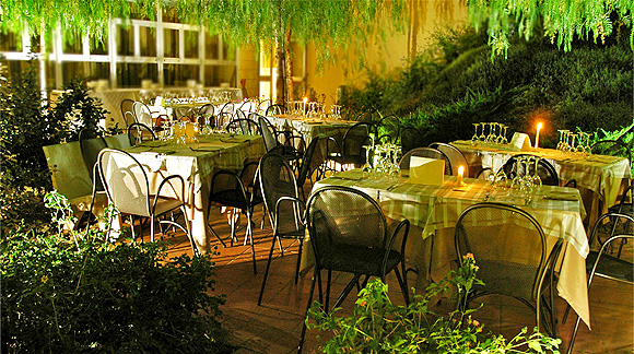 http://www.pugliaetmores.it/Images/Locandine/Articoli/Bari3NPLocand1.jpg