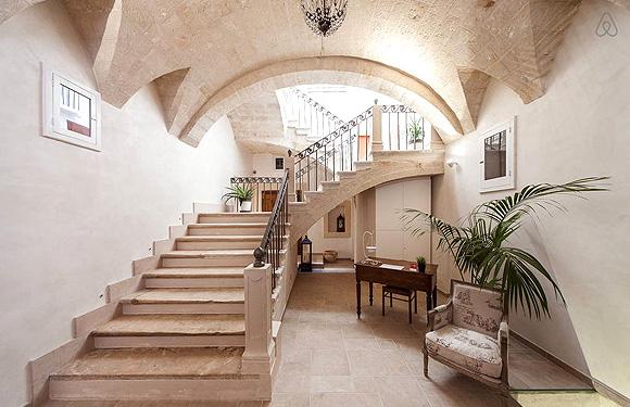 http://www.pugliaetmores.it/Images/Locandine/Articoli/Bari50NPLocand2.jpg