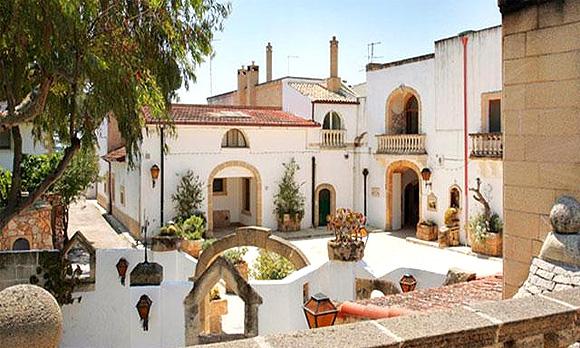 http://www.pugliaetmores.it/Images/Locandine/Articoli/Brindisi1NPLocand8.jpg
