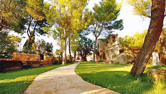 http://www.pugliaetmores.it/Images/Locandine/Articoli/Brindisi1NPLocand9.jpg