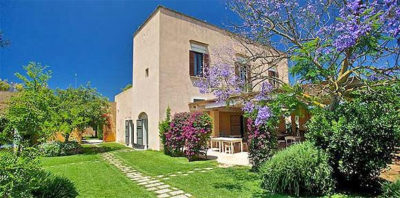 http://www.pugliaetmores.it/Images/Locandine/Articoli/Gallipoli3NPLocand2.jpg