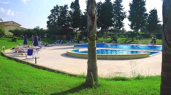 http://www.pugliaetmores.it/Images/Locandine/Articoli/Orso1NPLocand1.jpg