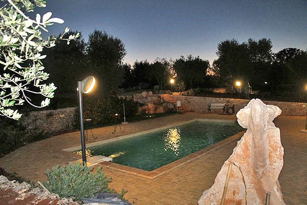 Trulli in affitto con piscina vacanze in puglia case for Piscina 3 re