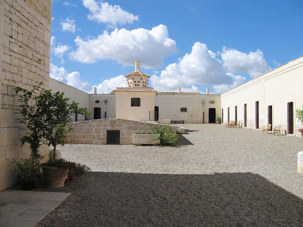 Masseria in puglia agriturismo con piscina ristorante - Masseria in puglia con piscina ...