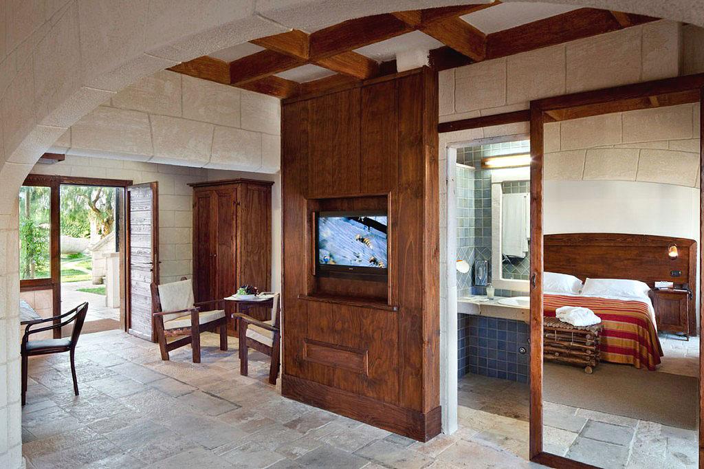 Hotel 4 stelle in puglia albergo con piscina coperta provincia di bari - Albergo con piscina in camera ...