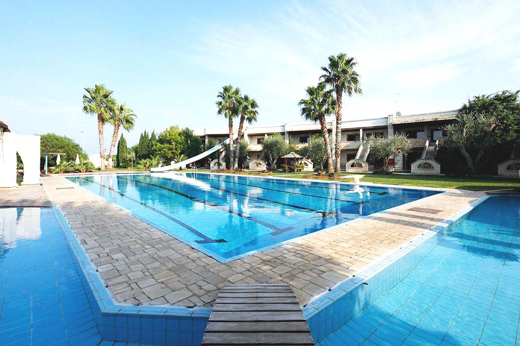 Hotel 4 stelle in puglia albergo centro benessere for Piscina wspace bari