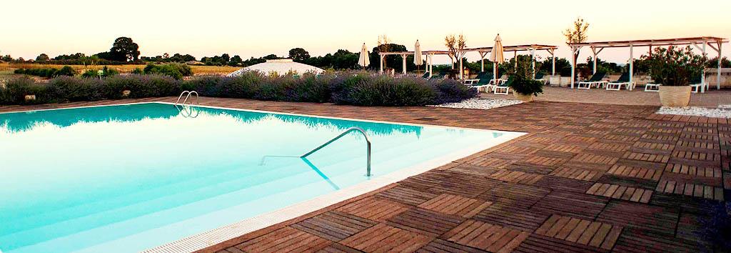 Hotel 4 stelle in puglia albergo con piscina for Piscina 3 re