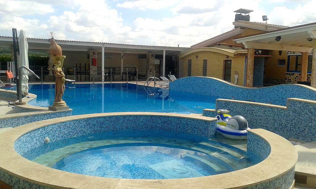 Hotel resort in puglia b b centro benessere wellnes spa for Piscina 3 re