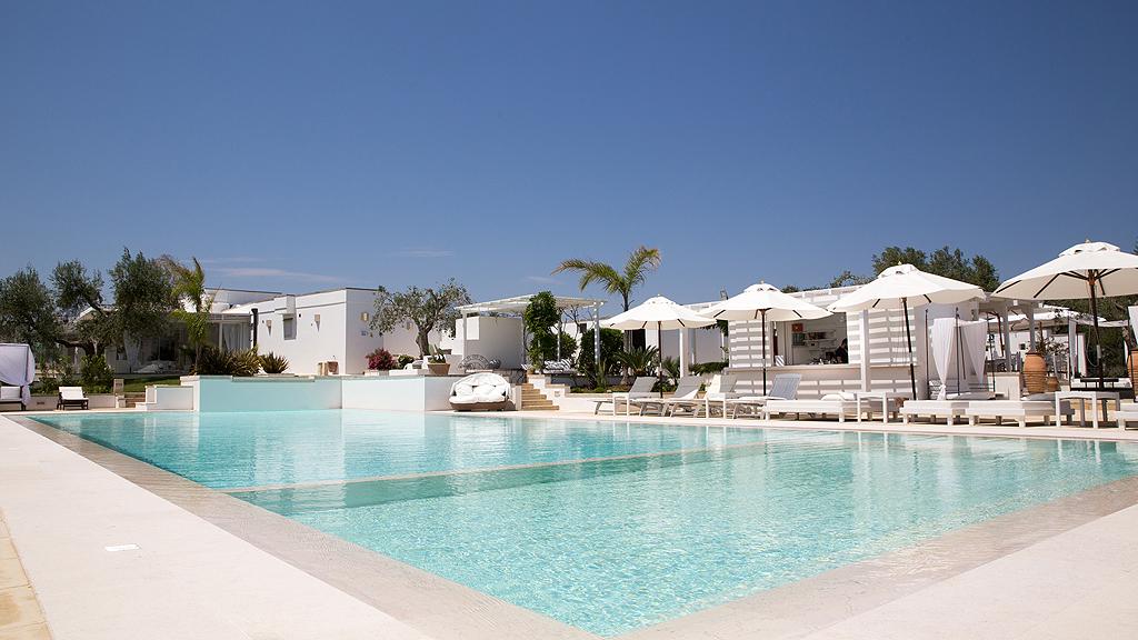 Hotel resort otranto puglia et mores vacanze in puglia for Piscina 3 re